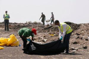Αιθιοπία: Απόλυτη φρίκη στα συντρίμμια του Boeing! Δεν βρήκαν ολόκληρα πτώματα αλλά… κομμάτια [pics]