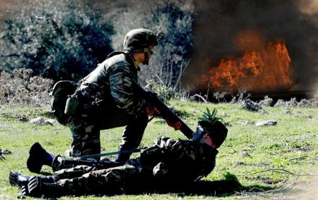"""""""Φωτιά και ατσάλι"""" από τους μελλοντικούς ηγέτες του Στρατού Ξηράς – """"Έλαμψαν"""" οι Ευέλπιδες! [pics]"""