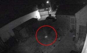 Απίστευτο: Κάμερα ασφαλείας «έπιασε» φάντασμα μικρού παιδιού;