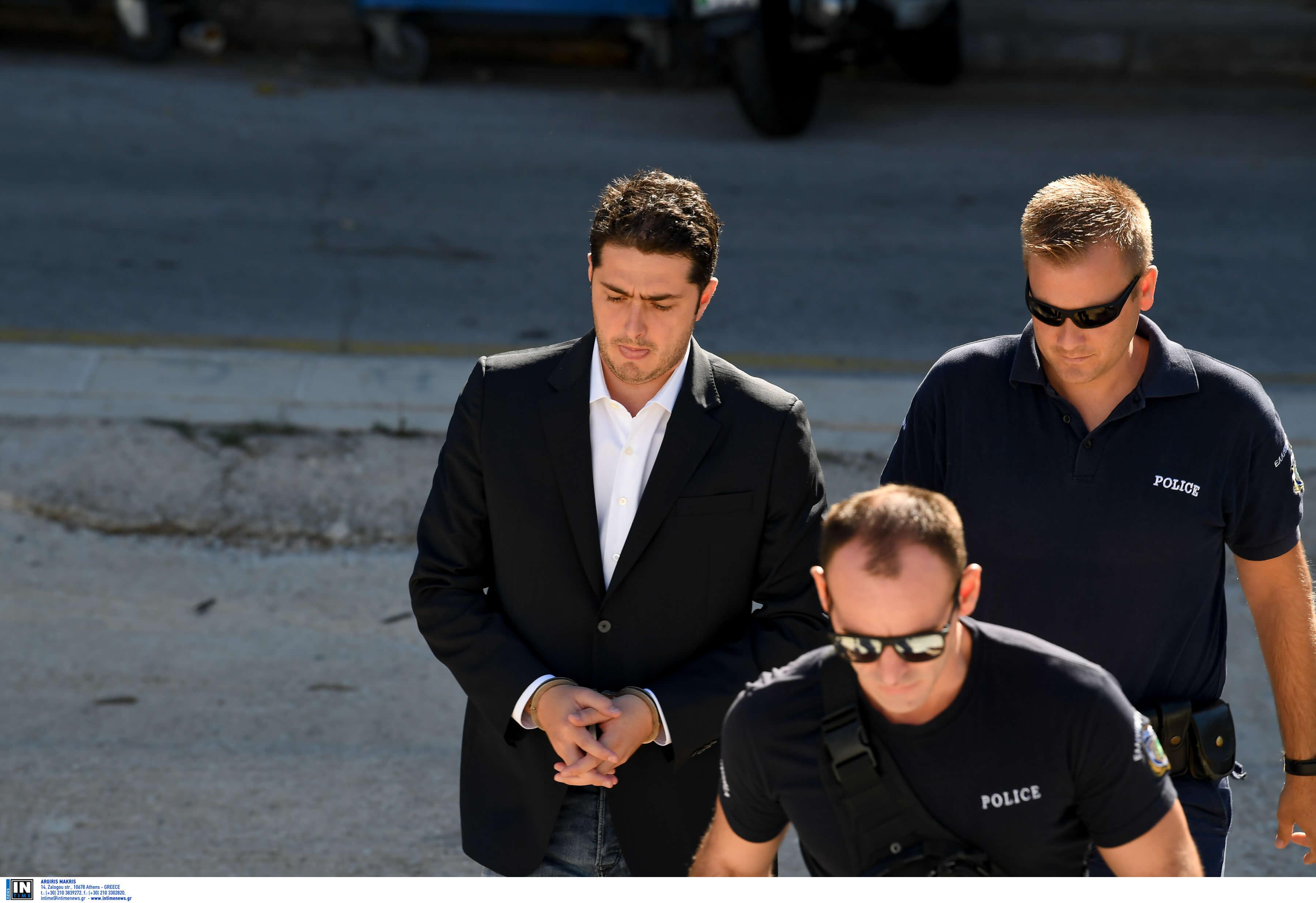 Εκβιασμούς και απειλές από δικηγόρους και κατηγορούμενους κατήγγειλε ο Φλώρος – Κατάθεση «φωτιά» στη δίκη για τη δολοφονία Ζαφειρόπουλου