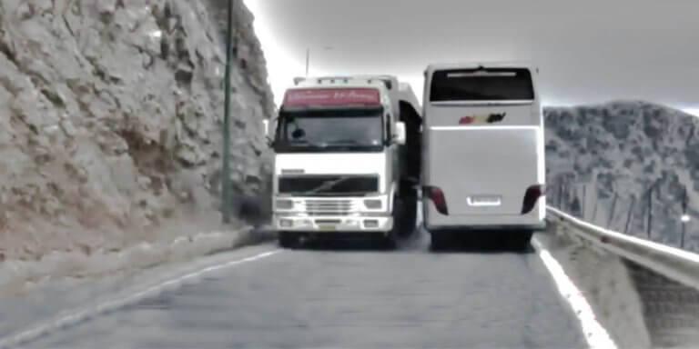 """Κρήτη: Οι ελιγμοί του τρόμου σε δρόμους """"κόλαση"""" – Εικόνες που κόβουν την ανάσα"""