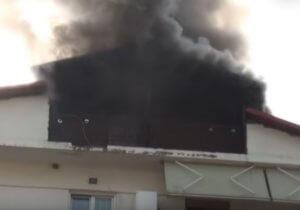 Γρεβενά: Η φωτιά στην πολυκατοικία ξεκίνησε από τη σοφίτα – Δραματικός απεγκλωβισμός γυναίκας – video