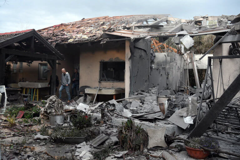 Επίθεση με ρουκέτα σε σπίτι στο Τελ Αβίβ – Υπόσχεται αντίποινα ο Νετανιάχου