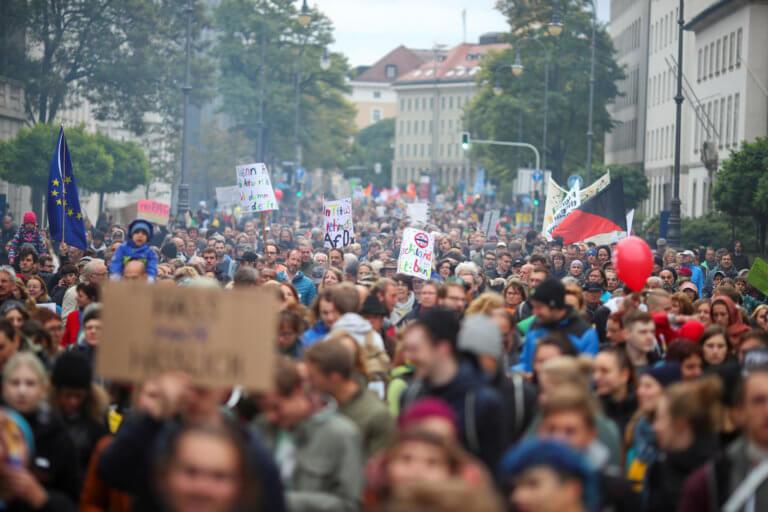Γερμανία: Ένας στους τρεις πολίτες έχει αρνητική άποψη για την Ε.Ε