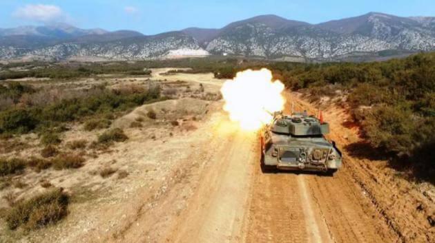 """""""Φωτιά και ατσάλι"""" από τα άρματα μάχης του Στρατού Ξηράς σε εντυπωσιακά πλάνα! [pics]"""