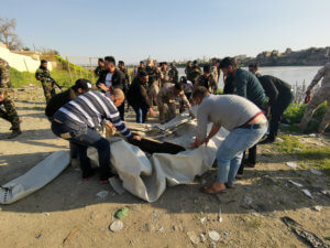 Ιράκ: Ανείπωτη τραγωδία με σχεδόν 100 νεκρούς! [pics]