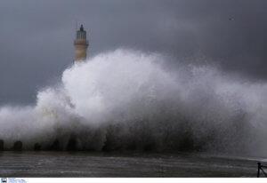 Καιρός αύριο 28/03: Καταιγίδες, ισχυροί άνεμοι και κρύο