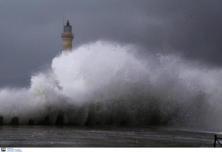 Καιρός: Βροχερό Σαββατοκύριακό – Η πρόβλεψη για την Μεγάλη Εβδομάδα – video