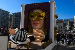 Ηράκλειο: Παρατράγουδα στο καρναβάλι – Πιάστηκαν στα χέρια στο Αρκαλοχώρι με τους ακτιβιστές!