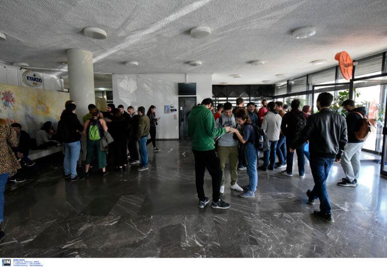 Κατάληψη στην πρυτανεία του ΑΠΘ για τις φοιτητικές εστίες