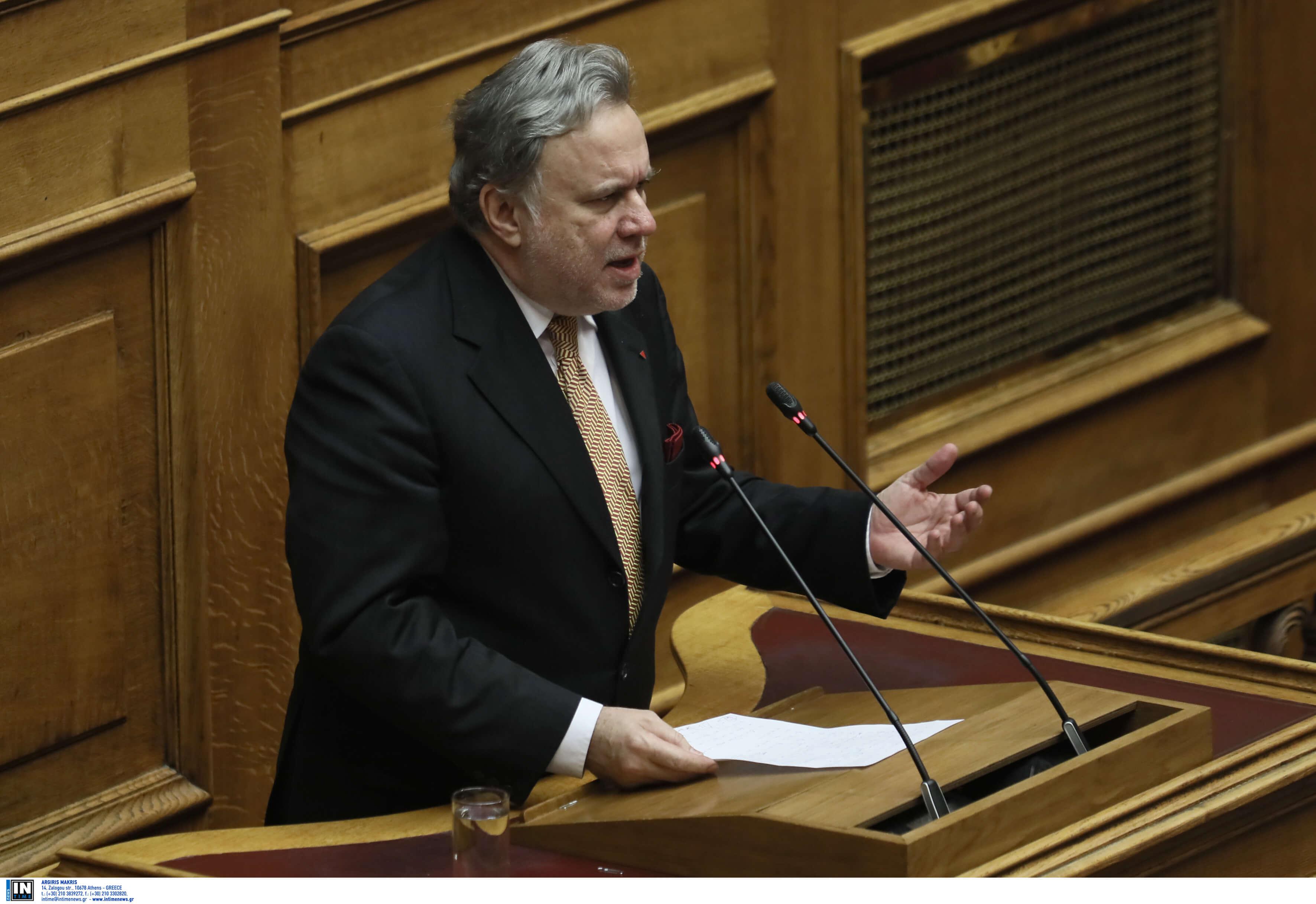 """Κατρούγκαλος απαντά για το """"Μακεδονία ξακουστή"""" – """"Δεν γίνεται αναφορά σε άσματα στη Συμφωνία των Πρεσπών"""""""
