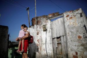 Στοιχεία – μαχαιριά: Σε κατάσταση απόλυτης φτώχειας 115.000 παιδιά στην Σερβία