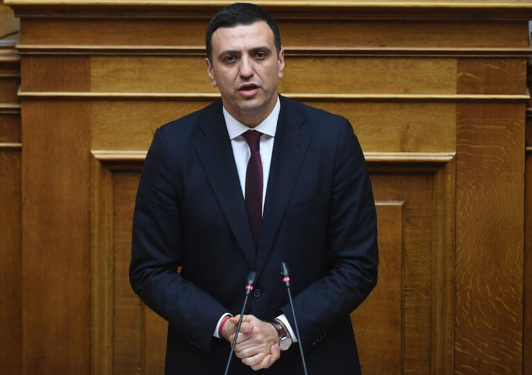 """Κικίλιας: """"Πυρά"""" στην κυβέρνηση για… προληπτικές συλλήψεις και Ρουβίκωνα"""