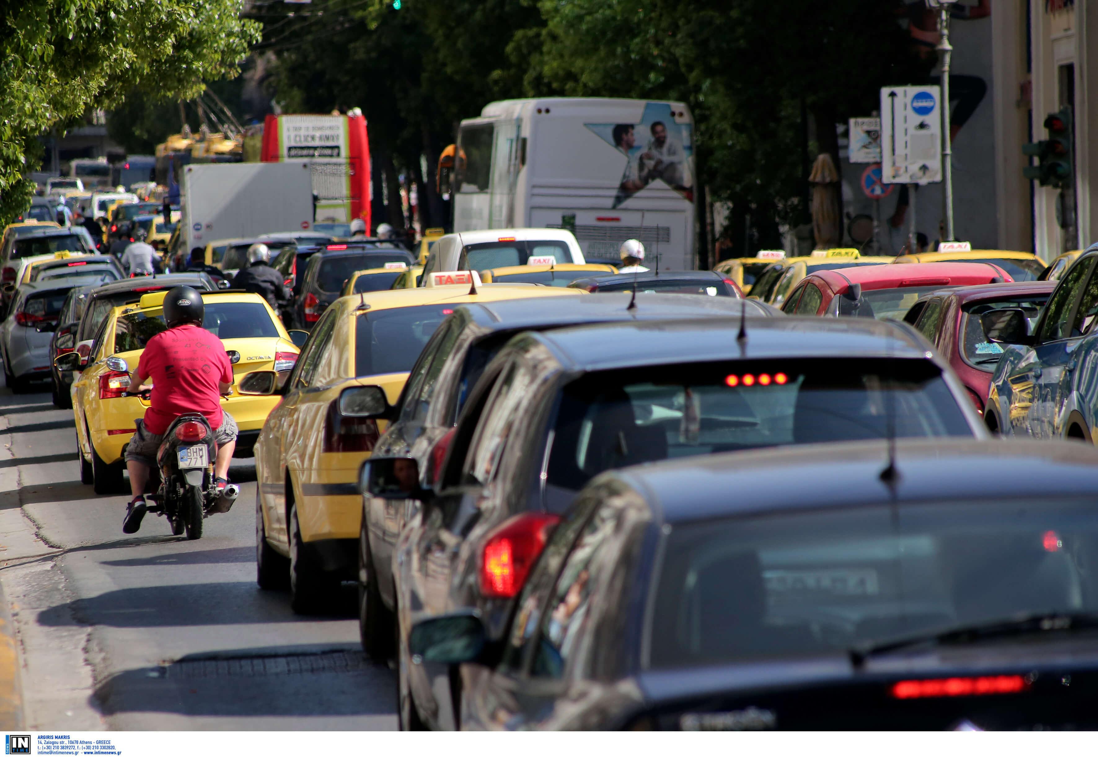 Έκρηξη χειροβομβίδας στο Χαλάνδρι: Αποκλεισμένοι δρόμοι και αυξημένη κίνηση