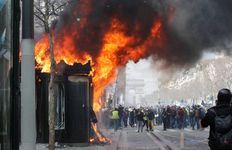 Κίτρινα γιλέκα: Ακόμα ένα Σάββατο συγκρούσεων στην Γαλλία