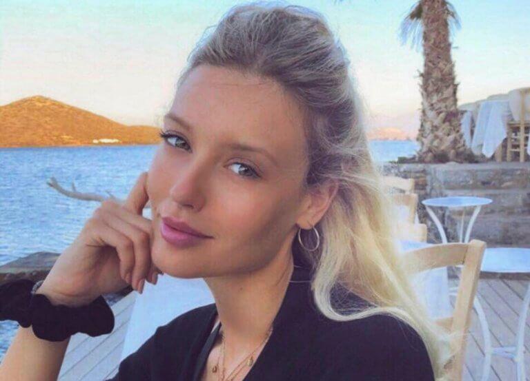 Κωνσταντίνα Κομμάτα: Υποδέχτηκε το καλοκαίρι λίγο νωρίτερα – Η φωτογραφία από το πρώτο μπάνιο της!