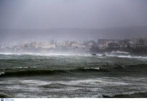 Καιρός – Κρήτη: Κλειστοί δρόμοι, προβλήματα στις πτήσεις, φούσκωσε ο Κερίτης