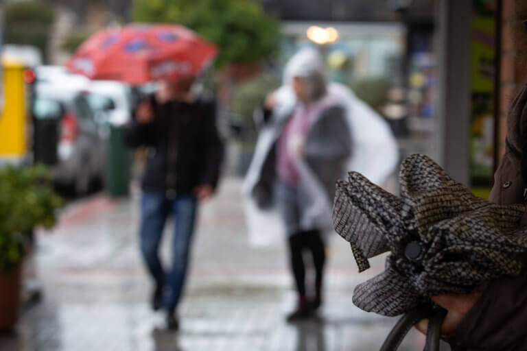 Καιρός αύριο: Βροχές και πτώση της θερμοκρασίας – Αναλυτική πρόγνωση