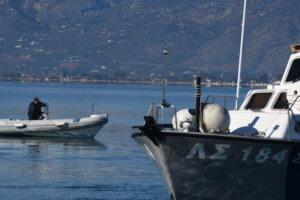 Σε εξέλιξη η επιχείρηση απάντλησης υδάτων από το πλοίο Πηνελόπη Α