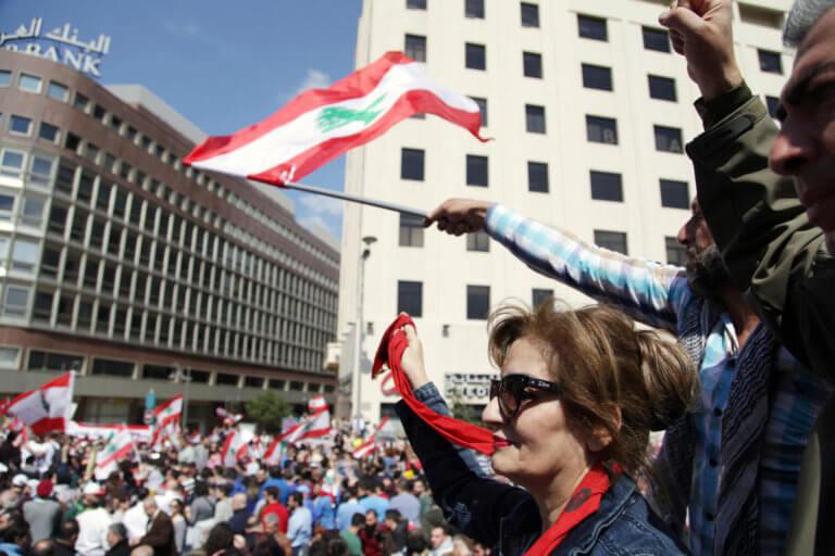 Λίβανος: Μαζικές διαδηλώσεις κατά των γάμων ανηλίκων | Newsit.gr