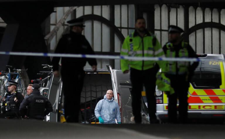 Συναγερμός στο Λονδίνο! Ύποπτο όχημα κοντά στο Κοινοβούλιο | Newsit.gr