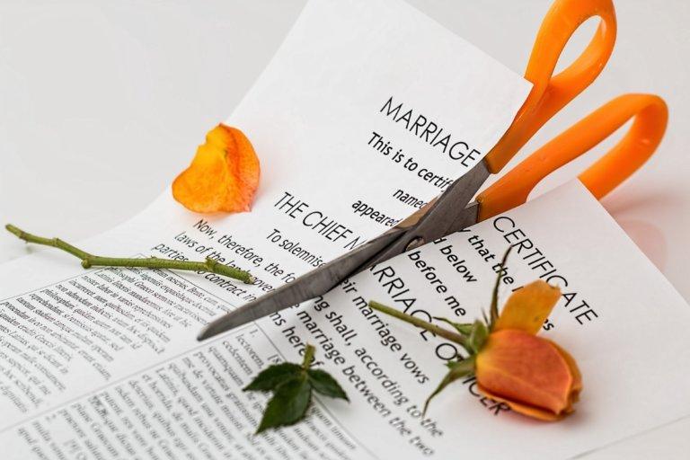 Χώρισε πασίγνωστο ζευγάρι της εγχώριας showbiz 15 μέρες πριν τον γάμο!
