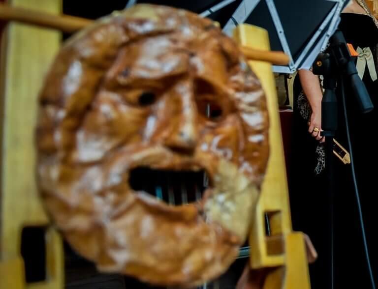 Θεσσαλονίκη: Σκηνές απείρου κάλλους και συλλήψεις την Τσικνοπέμπτη – Έβαλαν στο μάτι τους καρναβαλιστές! | Newsit.gr