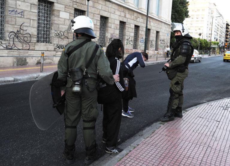 Κατά των προληπτικών προσαγωγών η Ελληνική Ένωση για τα Δικαιώματα του Ανθρώπου