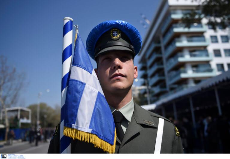 Παρέλαση 25 Μαρτίου – Θεσσαλονίκη: Αποδοκιμασίες πολιτικών και συνθήματα για τη Μακεδονία [pics, video]