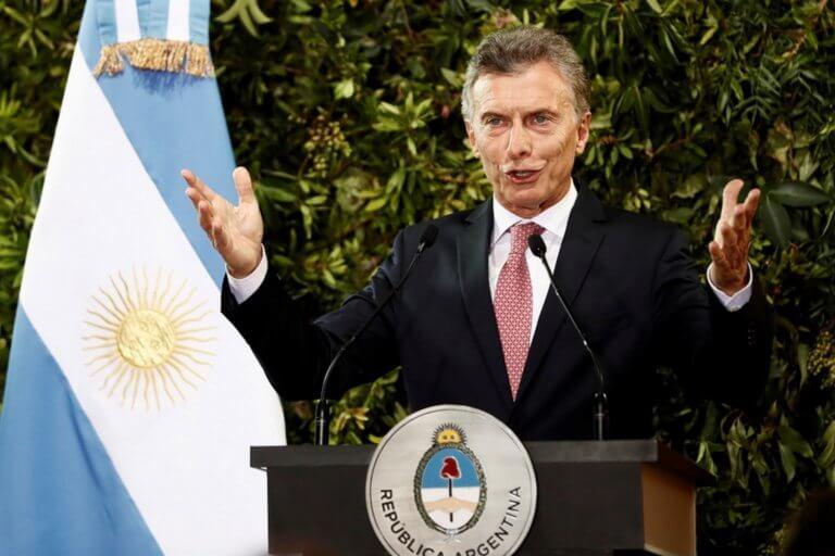 «Αίμα, ιδρώτα και δάκρυα», υπόσχεται στους κατοίκους της Αργεντινής ο Μαουρίσιο Μάκρι