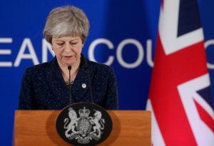 "Brexit: Σχέδιο για να ""τελειώσουν"" τη Μέι ετοιμάζουν 11 υπουργοί της κυβέρνησης"