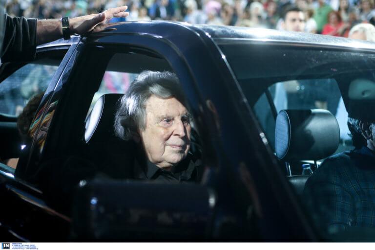 Χειρουργήθηκε ο Μίκης Θεοδωράκης – Του τοποθετήθηκε βηματοδότης   Newsit.gr