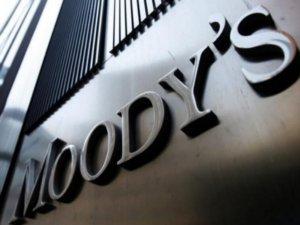 Moody's: Αναβαθμίζει την ελληνική οικονομία και… φαρμάκι ο Τσακαλώτος!