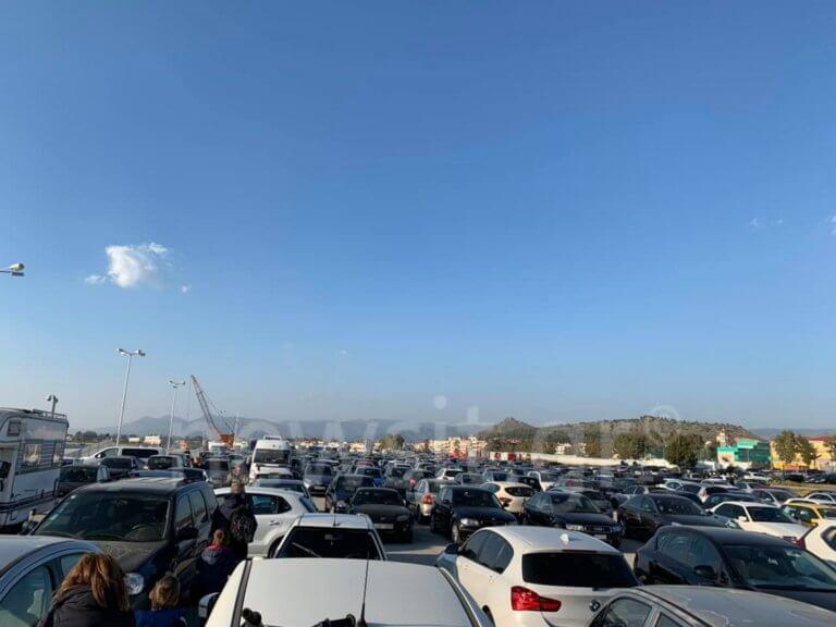 Ναύπλιο: Ουρές χιλιομέτρων στην είσοδο της πόλης – Ταλαιπωρία για τους εκδρομείς του διημέρου – video