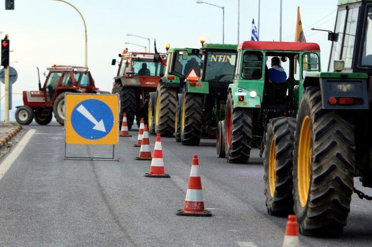 Αθωώθηκαν οι δέκα αγροτοσυνδικαλιστές για το μπλόκο της Νίκαιας   Newsit.gr