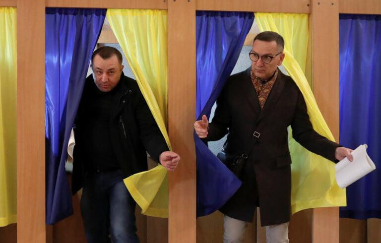 Ουκρανία: Στις κάλπες για νέο πρόεδρο – Φαβορί ο κωμικός Βολοντίμιρ Ζελένσκι