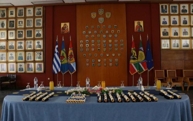 Παρασημοφορήθηκαν Αξιωματικοί του Στρατού Ξηράς από τον Διοικητή 1ης Στρατιάς Αντιστράτηγο Φλώρο [pics]