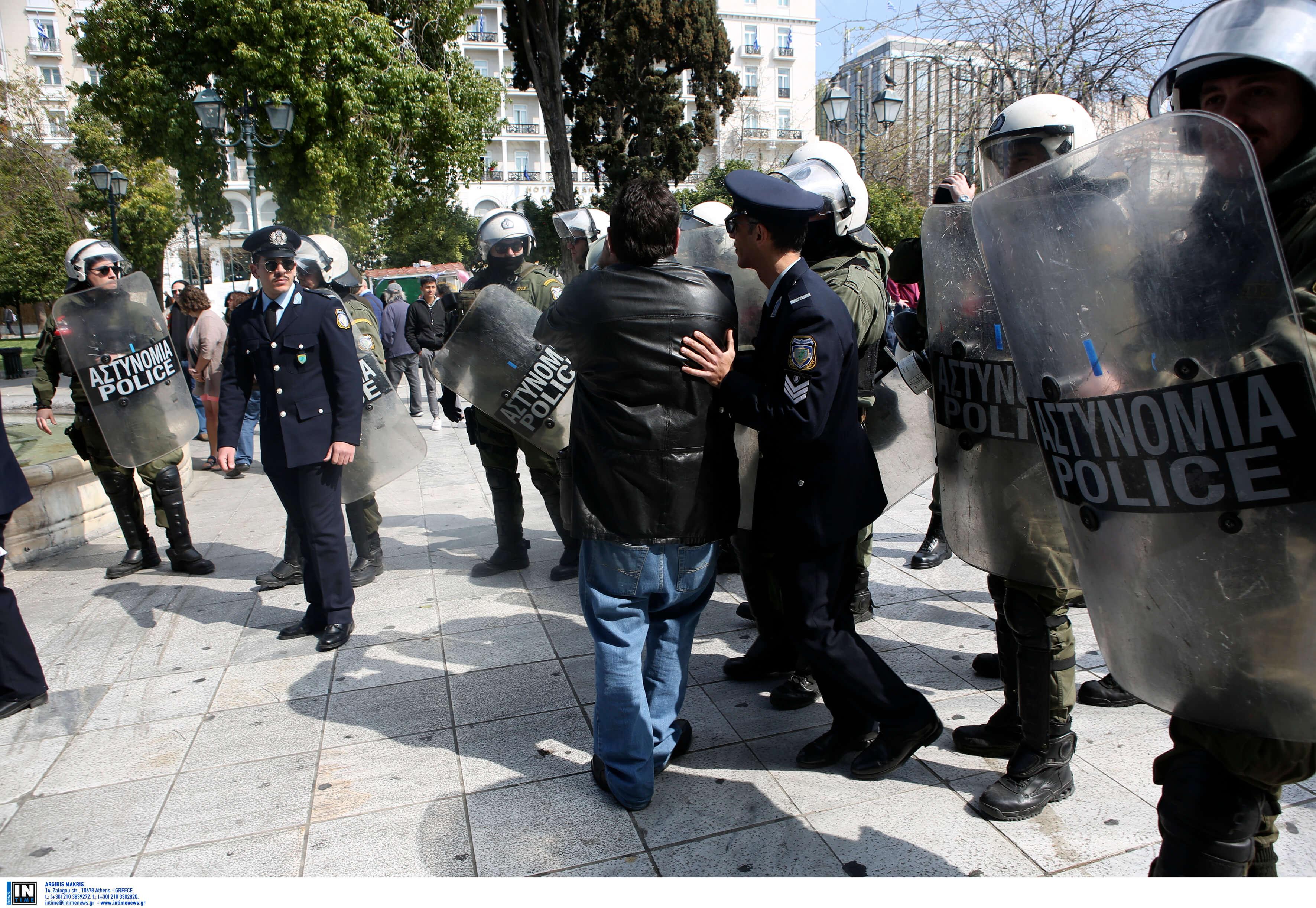 Σιδερόφραχτη και με τον φόβο επεισοδίων η παρέλαση της 25ης Μαρτίου - 1.600 αστυνομικοί μόνο στην Αθήνα