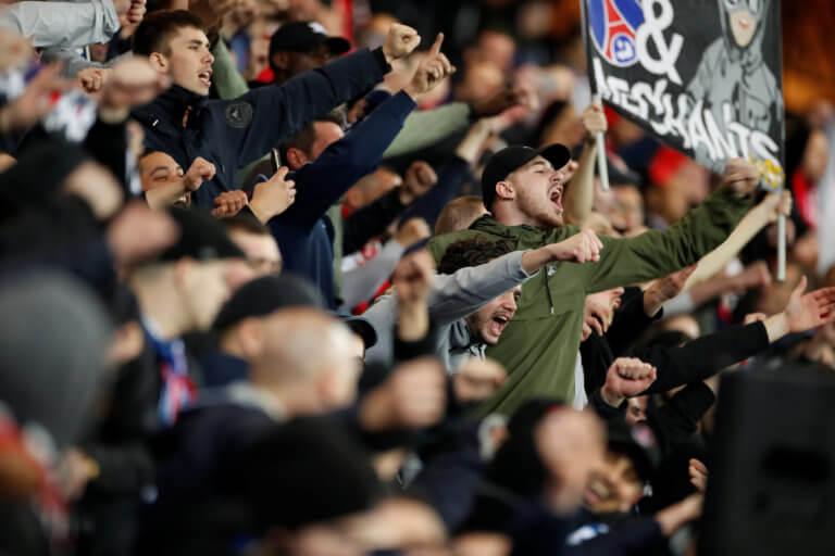 """Μαχαίρωσαν οπαδό της Γιουνάιτεντ στο Παρίσι! """"Παλεύει"""" για τη ζωή του"""