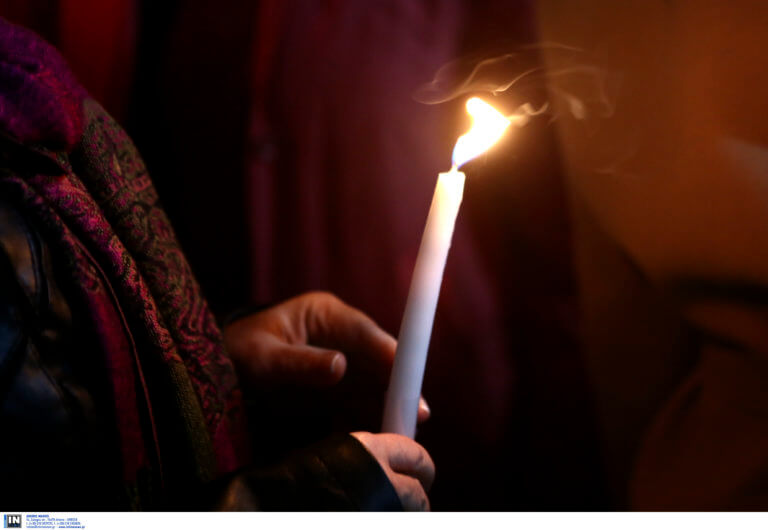Κρητικός έκανε μήνυση για το Άγιο φως!