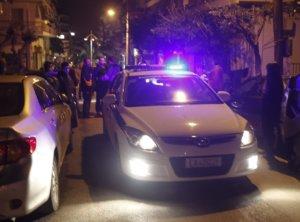 Χρυσή Αυγή: Καταδρομική επίθεση από 100 άτομα στα γραφεία της στο σταθμό Λαρίσης!