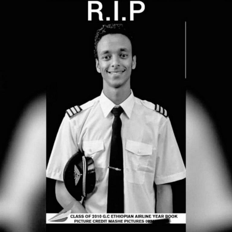 Αυτός είναι ο πιλότος του Boeing 737 MAX 8 το οποίο παρέσυρε στο θάνατο 157 ανθρώπους!