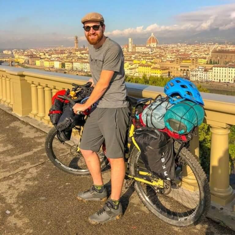 Θεσσαλονίκη: Έκλεψαν το ποδήλατο Ολλανδού που γυρνάει τον κόσμο για φιλανθρωπικό σκοπό