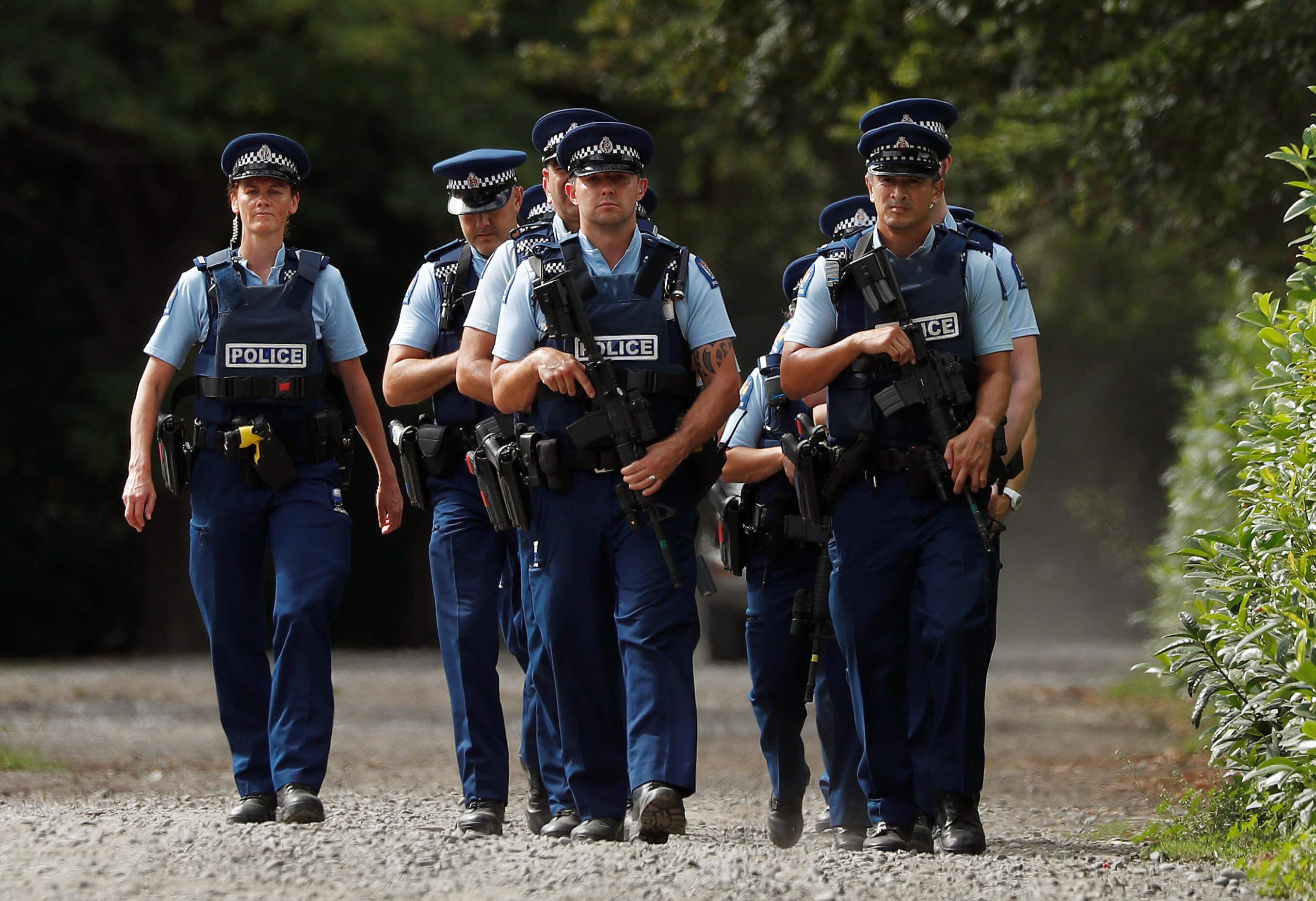 Νέο θρίλερ στο Κράιστσερτς της Νέας Ζηλανδίας - Άνδρας είχε οπλοστάσιο σπίτι του! Τον βρήκαν μαχαιρωμένο στο αυτοκίνητό του!