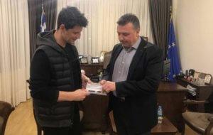 Λάρισα: Ο Σάκης Ρουβάς γίνεται επιχειρηματίας – Η αποκάλυψη του δημάρχου Ελασσόνας [pics]
