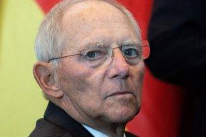 Σόιμπλε: Έφτασα στο παρά 1′ να παραιτηθώ λόγω της Ελλάδας!