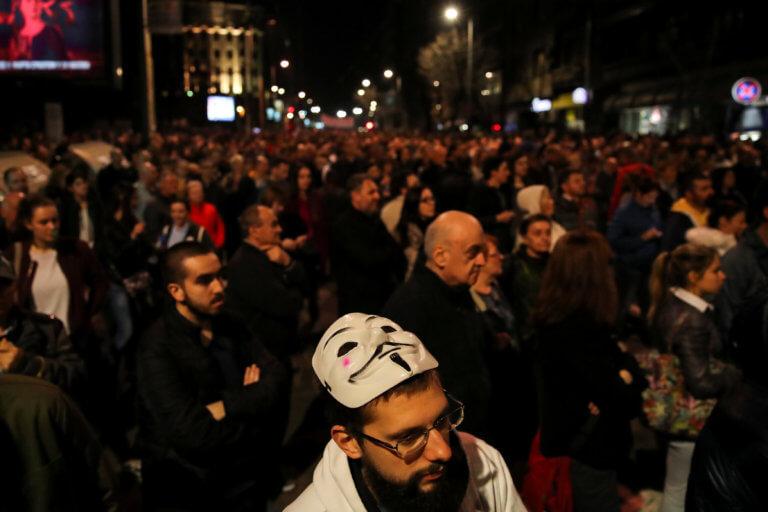 Σερβία: Εκκενώνεται το κτίριο της δημόσιας τηλεόρασης