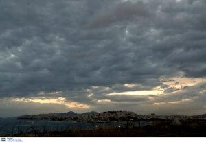 Καιρός αύριο 22/03: Πέφτει η θερμοκρασία – Σε ποιες περιοχές θα βρέξει