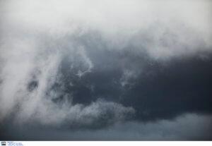 Καιρός σήμερα 22/03: Συννεφιά και τοπικές βροχές – Που θα χρειαστούμε ομπρέλα