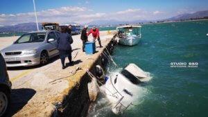 Οι άνεμοι βούλιαξαν σκάφος στο Ναύπλιο – video, pics